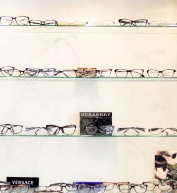 Glasses display 13