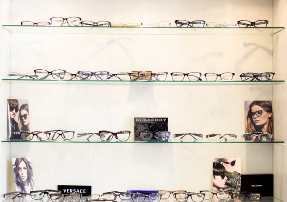 Glasses display 13